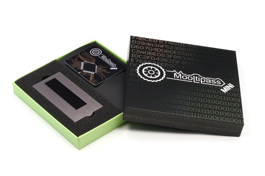 Mooltipass Mini Offline Password Keeper
