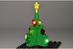 Brickstuff 2013 Limited Edition Holiday Kit: Lit Christmas Tree
