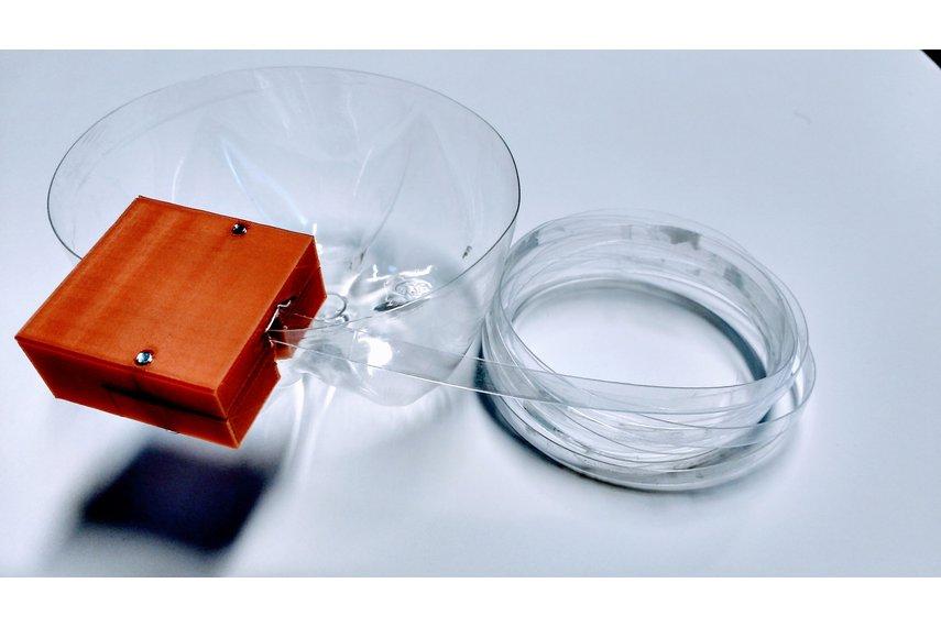 Mini Bottle String Maker