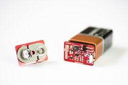 snapVCC  3.3/5 V regulator snaps onto 9V battery