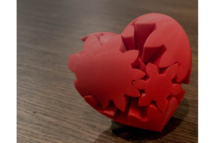 3D Printed Gear Heart/Heart Puzzle
