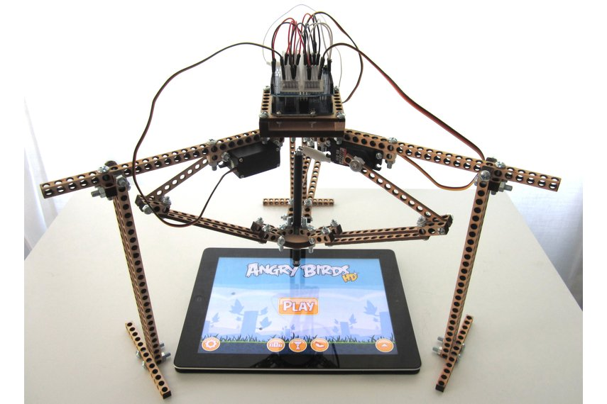 Bitbeambot - The Robot That Plays Angry Birds