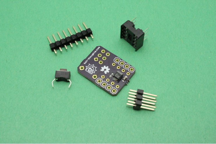 eeZee Tiny breakout board for ATtiny85 / ATtiny13