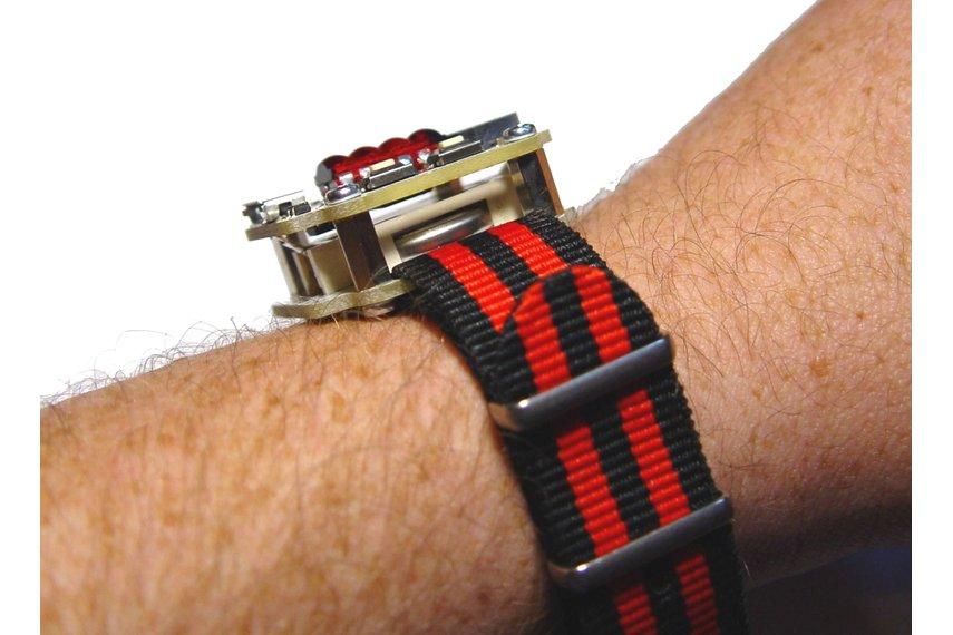 retro wrist watch with bubble display QDSP 6064