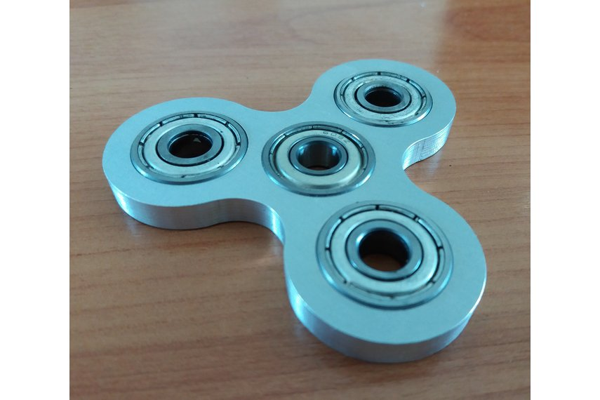 Spinner made from metal