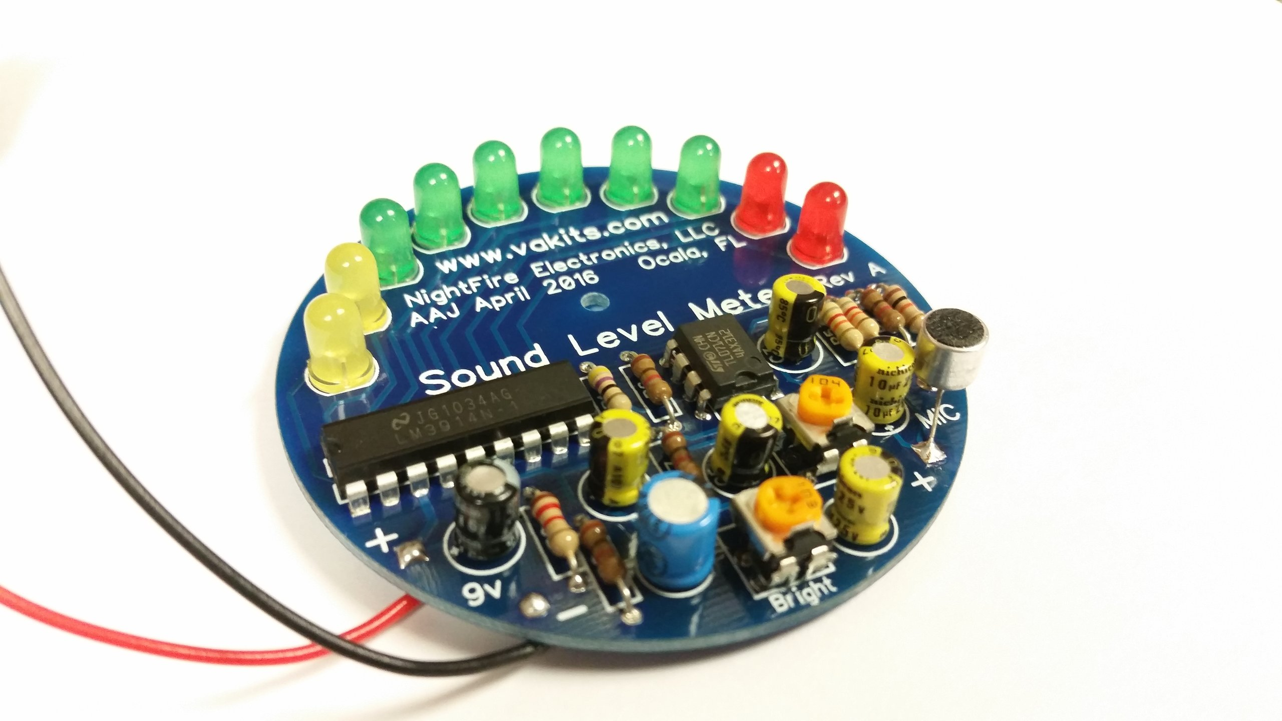 Condenser Microphone Pre Circuit furthermore Make Simple Audio  lifier Using Lm386 additionally Stereo Audio  lifier Using Ic Lm386 moreover Lm358 Mic in addition 3 5 Mm Plug Schematic. on lm386 mic
