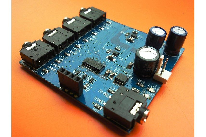 4-channel analog multiplexer/demultiplexer